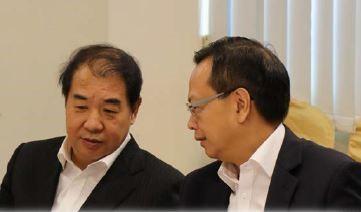 陈绍雄总裁(右)与孟振平董事长座谈交流