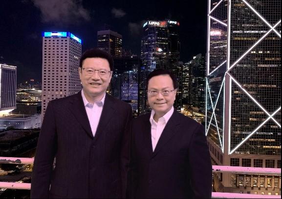 陈绍雄总裁(右)与钱智民董事长合影
